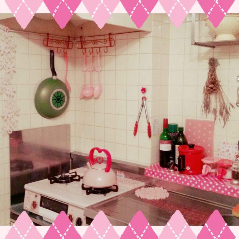 100均DIYでピンクキッチン