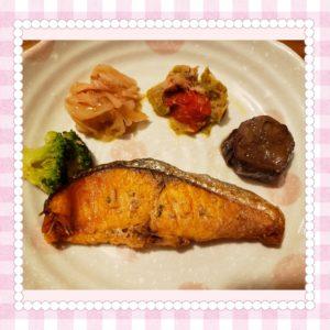 ナッシュ鮭のごま風味焼き3